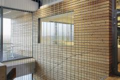 U vstupních dveří je izolační trojsklo s oboustranně bezpečnostním vrstveným sklem