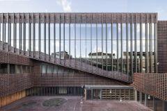 Architekt: BAAS Arquitectura, Grupa 5 architekci, Maleccy biuro projektowe (foto: Adrià Goula)