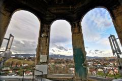 Výhled z věže na Liberec a Ještěd