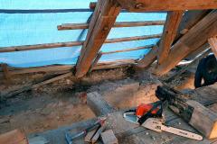 Nejhůře byl krov poškozen v úžlabích mezi střechou a sušícími věžemi. V celých úsecích již chyběla pozednice a krov byl pokleslý.