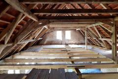 Vzhled podkroví starší budovy po provedené opravě