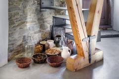 V mlýně vznikly nové obytné místnosti, které využívají tradiční i novodobé materiály