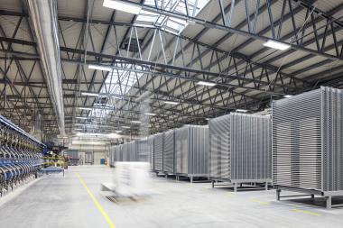 Výrobní závod v Chlumčanech má kapacitu výroby dlaždic až 13 milionů m2 za rok