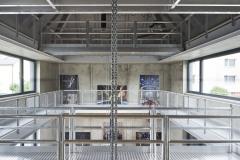 Otevřený prostor černého domu má výšku přes 13 m