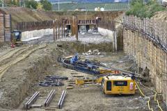 Novou trať staví sdružení frem Firesta-Fišer a Metrostav. Dokončena bude v roce 2022