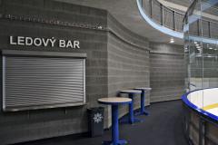Interiéry z liaporových tvárnic dokonale odpovídají sportovnímu využití stavby