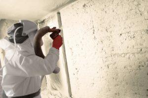Die Elastospray LWP Systeme sind die konsequente Weiterentwicklung der bewährten Spritzschäume von BASF. Neben dem Plus an Umweltverträglichkeit bieten sie wie gewohnt beste Dämmung. Ob in Wohn- oder Gewerbegebäuden, bei Neubauten oder Renovierung – Elastospray LWP sorgt für Komfort und ein hervorragendes Raumklima. The Elastospray® LWP systems are the consistent further development of BASF's proven spray foams. In addition to improving environmental compatibility, they deliver the accustomed superlative insulation. In residential or commercial buildings, new or renovated, Elastospray LWP is an assurance of comfort and an outstanding interior climate.