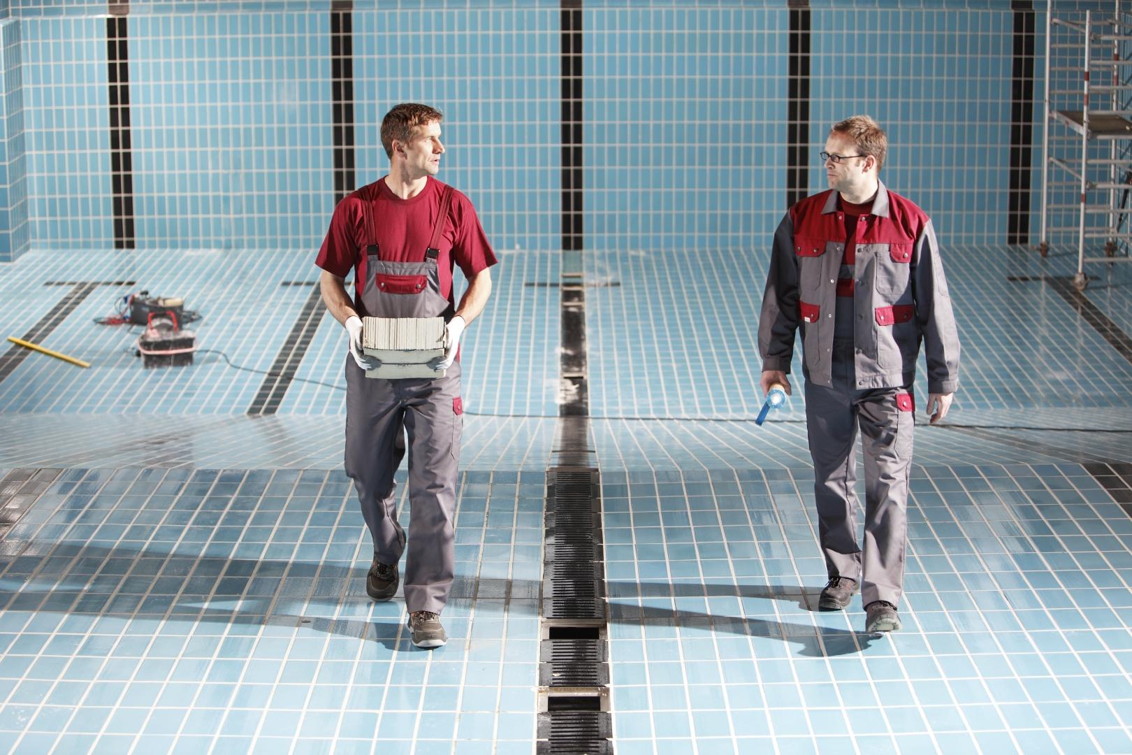 08b109b7681 Průmyslové stroje to mohou udělat lépe nebo mohou také v případě potřeby  oblečení impregnovat. (Foto  MEWA)